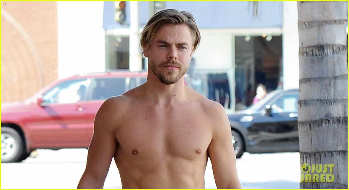 derek hough skips his shirt while shopping at a juice bar 213943467