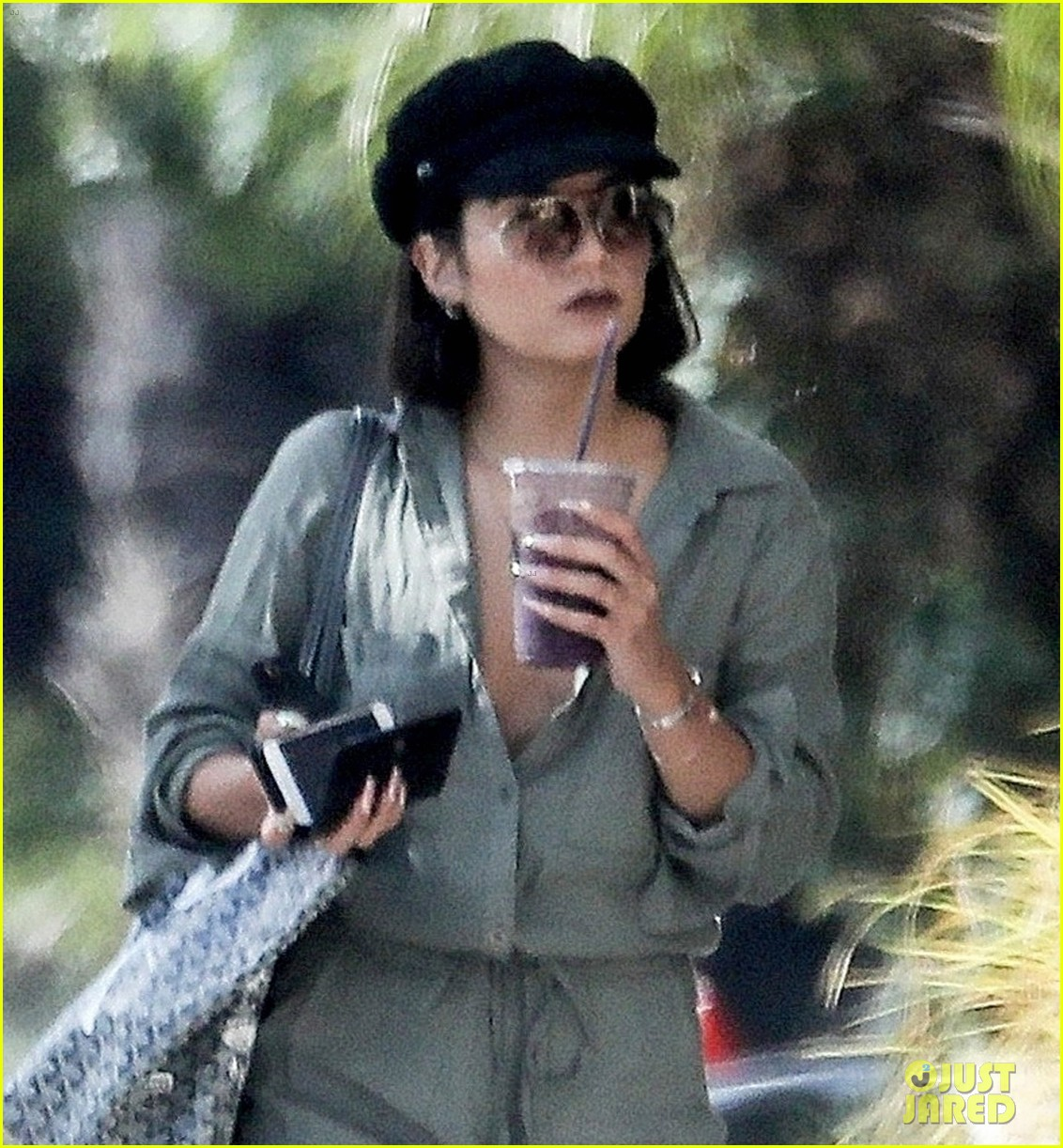 vanessa hudgens austin butler step out for solo coffee runs 043938015