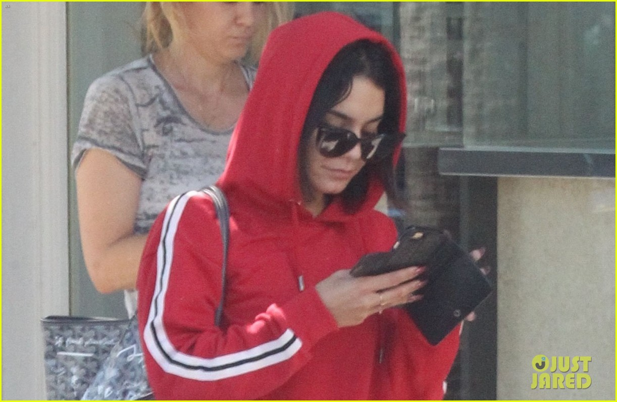 vanessa hugens hits the gym in track suit 043939046