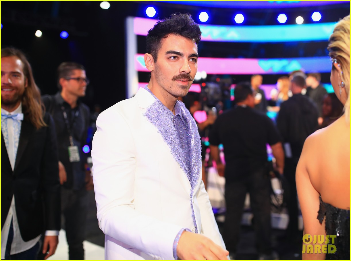 joe jonas dnce mtv vmas 2017 023946481