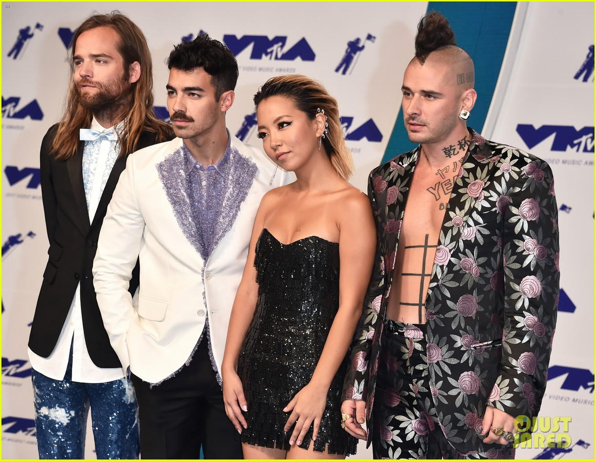 joe jonas dnce mtv vmas 2017 043946483