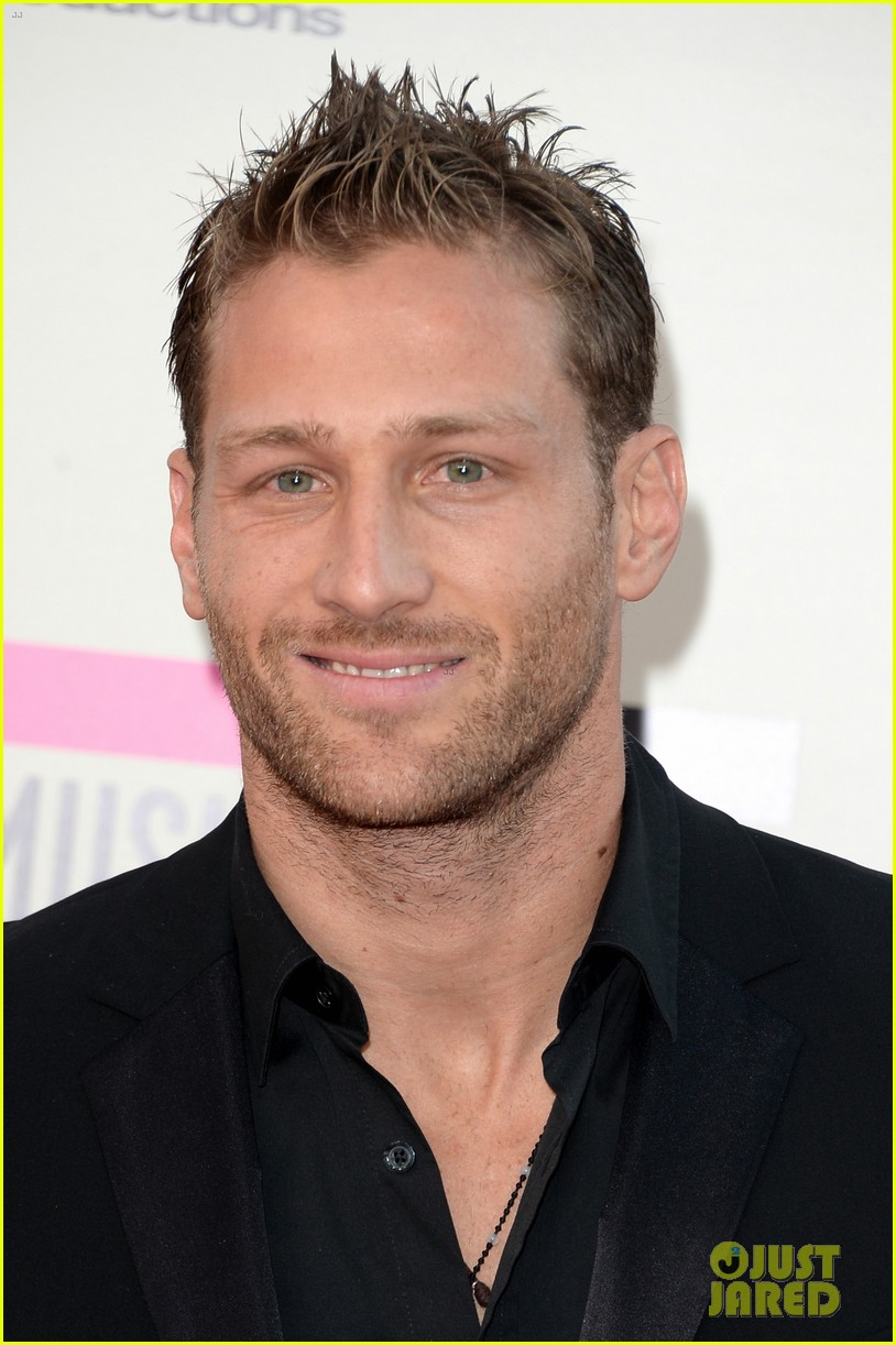 former bachelor juan pablo galavis is married 013938918