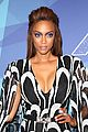 heidi klum mel b tyra banks bring the fashion to americas got talent live shows 26
