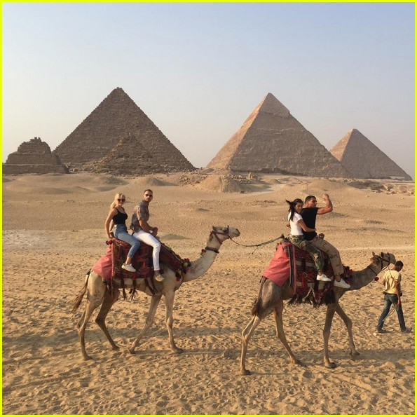kourtney kardashian boyfriend younes bendjima take a trip to egypt 033939868