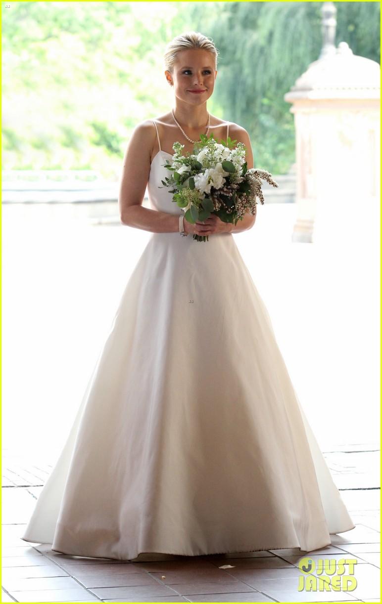 kristen bell central park wedding dress 013947429