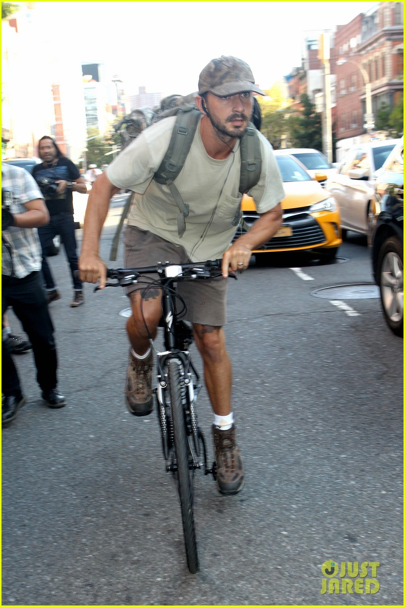 shia labeouf rides his bike around the big apple 053939954