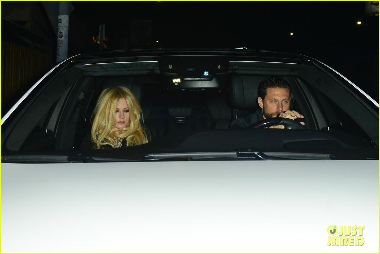 avril lavigne holds hands with music producer jr rotem 103939964