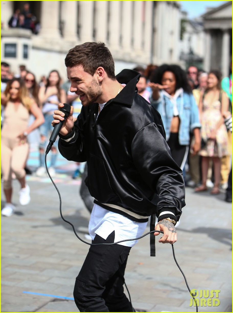liam payne surprises fans london 243941772