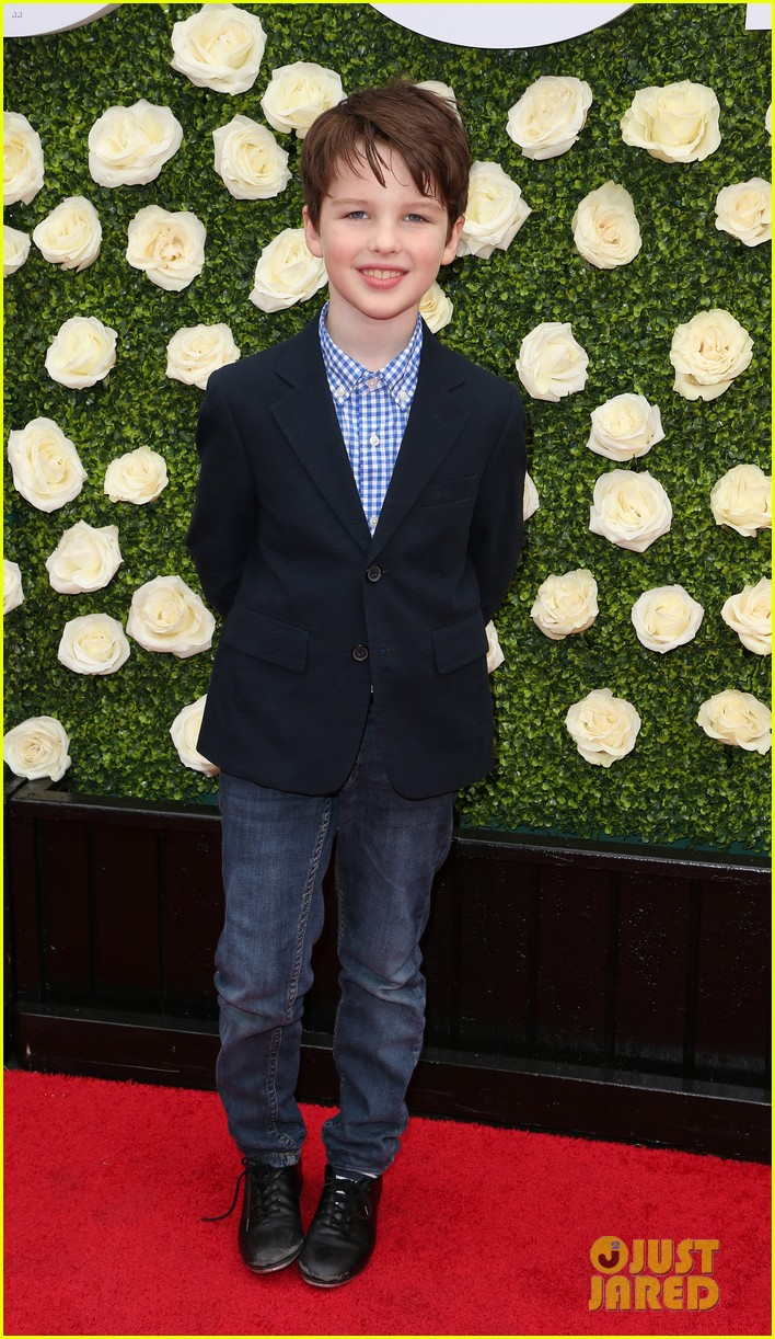 rob lowe son matthew join young sheldon cast at cbs summer tca soiree 173936800