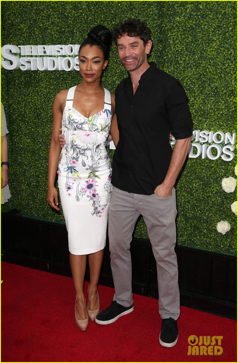 rob lowe son matthew join young sheldon cast at cbs summer tca soiree 513936834