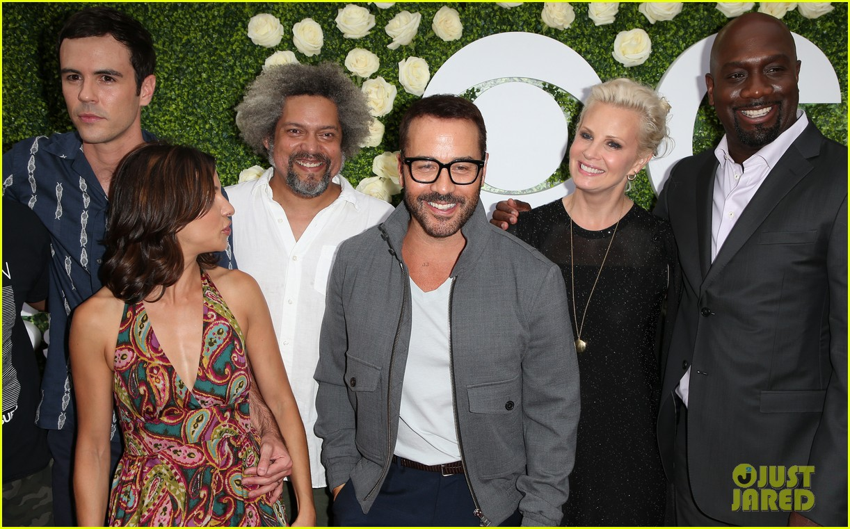 rob lowe son matthew join young sheldon cast at cbs summer tca soiree 633936846