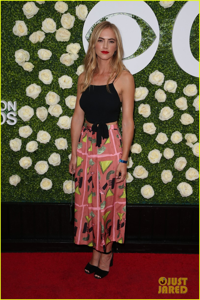 rob lowe son matthew join young sheldon cast at cbs summer tca soiree 823936865