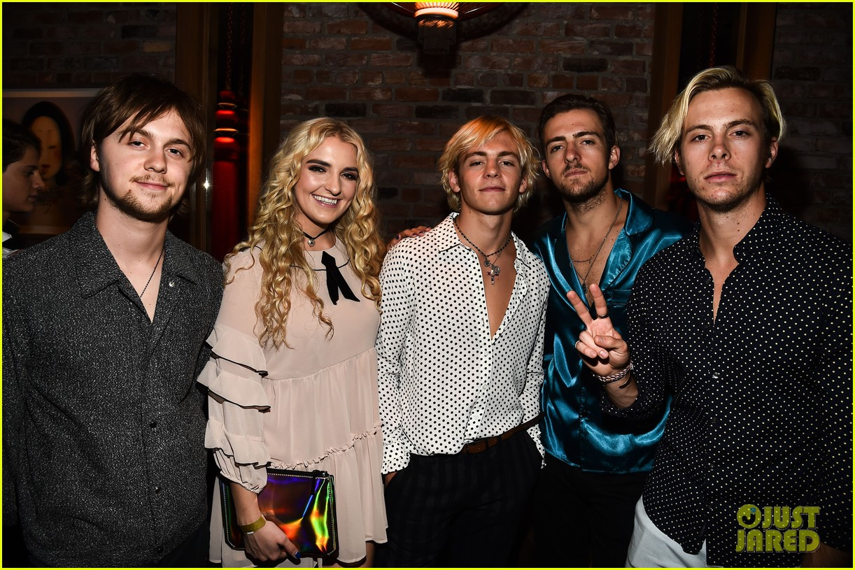 ross lynch courtney eaton yara shahidi variety event 323940083