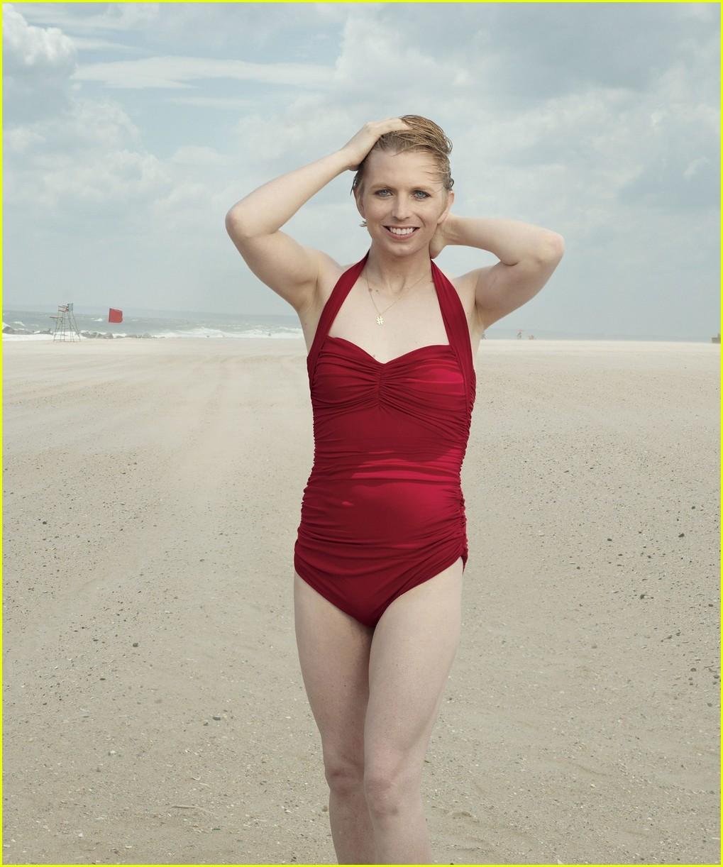 chelsea manning swimsuit 013940498