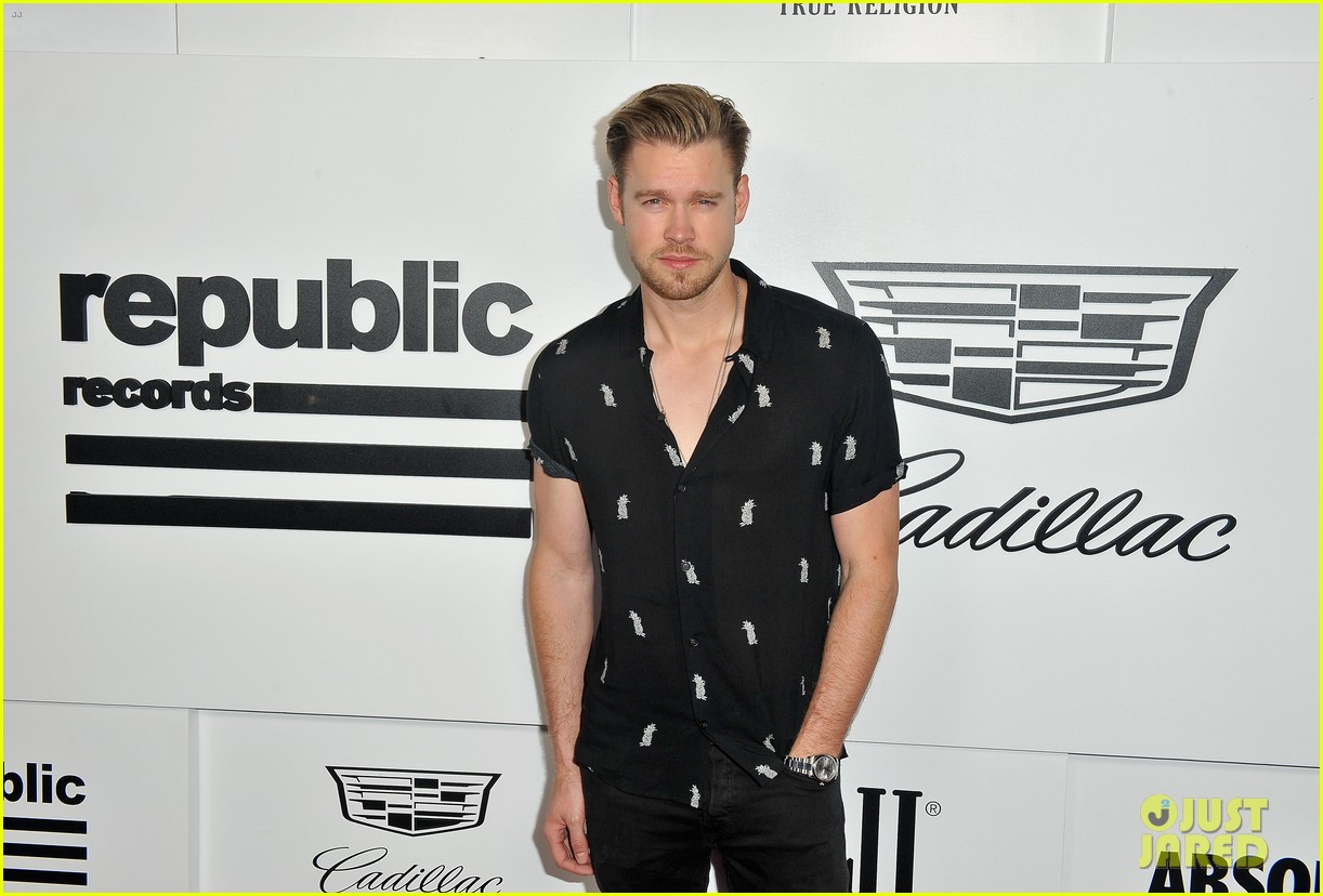 julia michaels joins chord overstreet jessie j more at republic records mtv vmas 2017 053947315