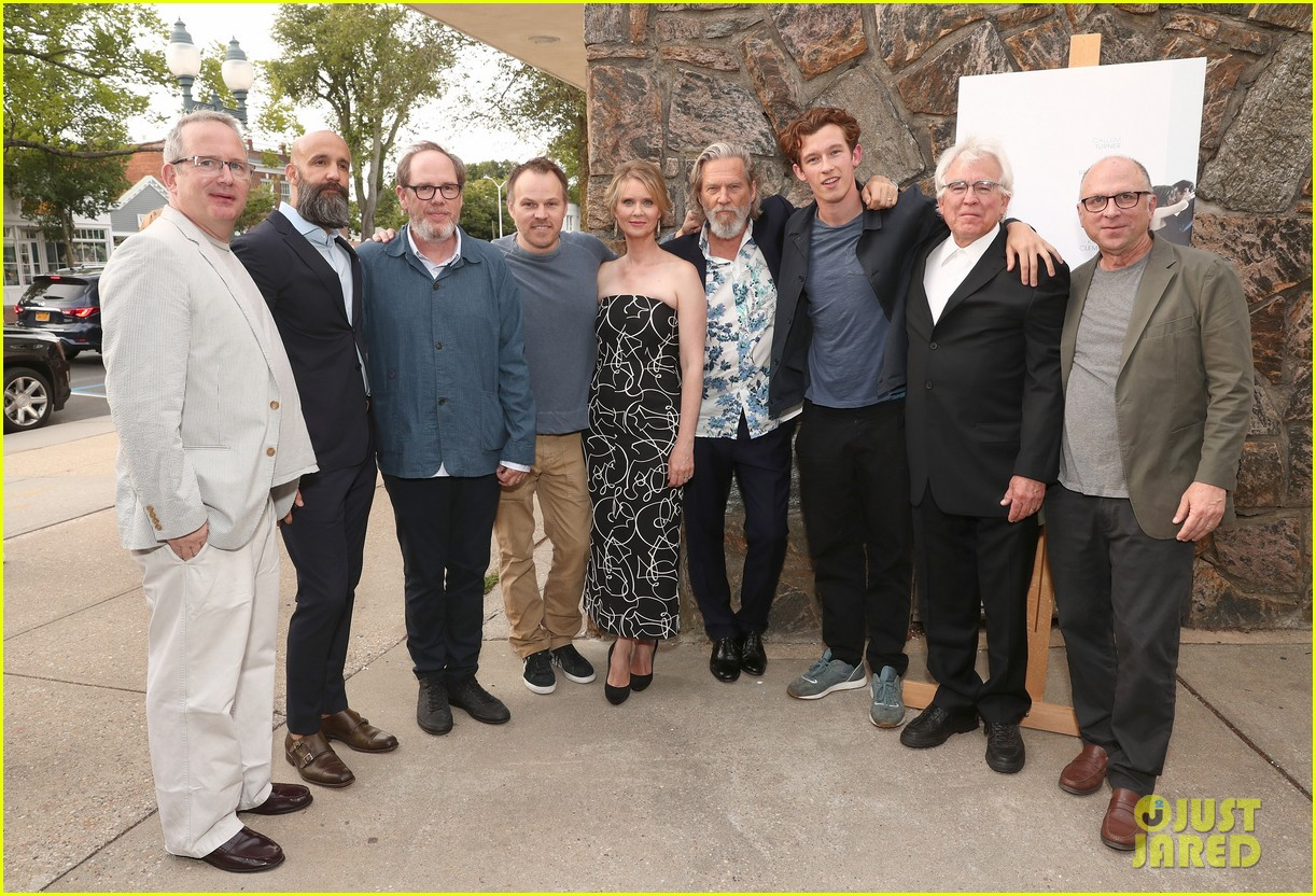 cynthia nixon jeff bridges get together for the only living boy in new york hamptons 033938677