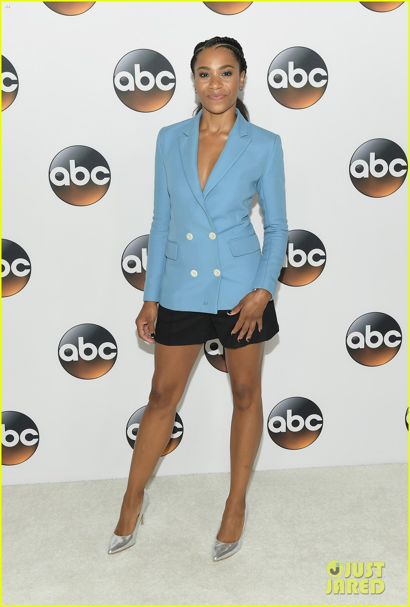 lana parrilla tracee ellis ross attend tca abc party 073938662