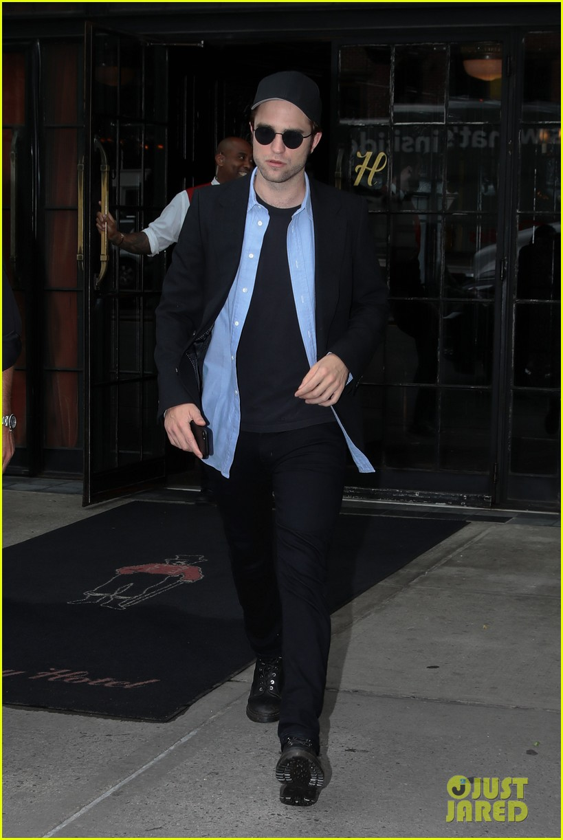 robert pattinson out about new york city 013939634