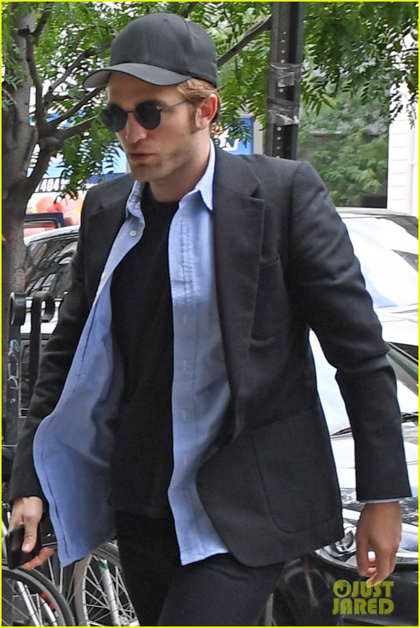 robert pattinson out about new york city 023939635