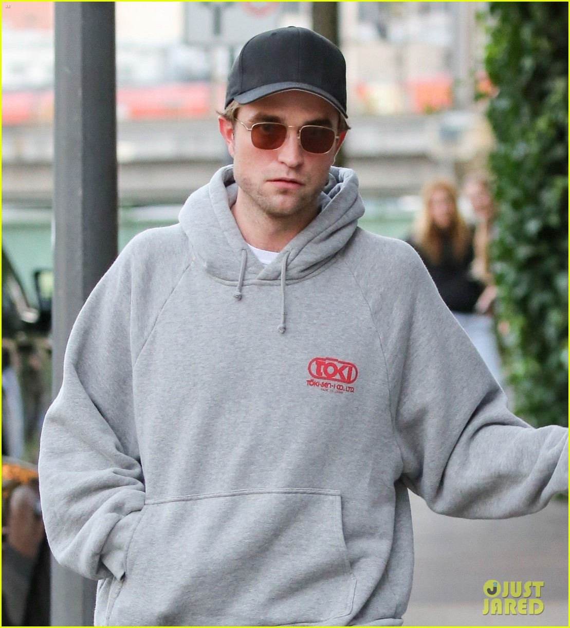robert pattinson hangs out with co star mia goth in germany 063944510