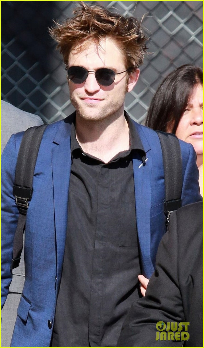 robert pattinson arrives in style for jimmy kimmel live 023937632