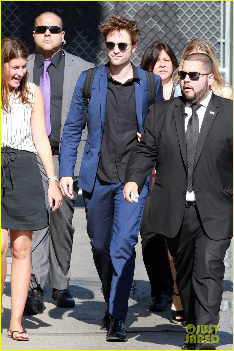 robert pattinson arrives in style for jimmy kimmel live 043937634