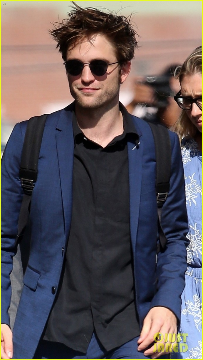 robert pattinson arrives in style for jimmy kimmel live 053937635