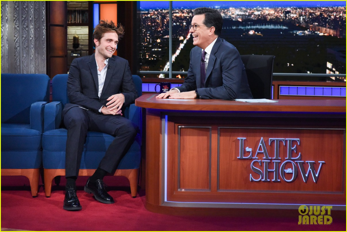 robert pattinson tells stephen colbert good time is 90 minute panic attack 033940488