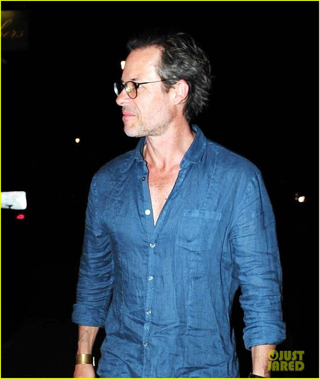 guy pearce kylie minogue reunite for dinner 063942277