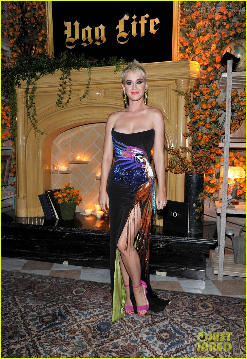 katy perry celebrates big night with calvin harris jared leto at vmas 2017 043947380