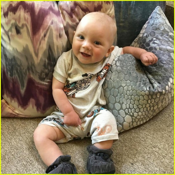 see pinks adorable photos of her kids willow jameson 133946377