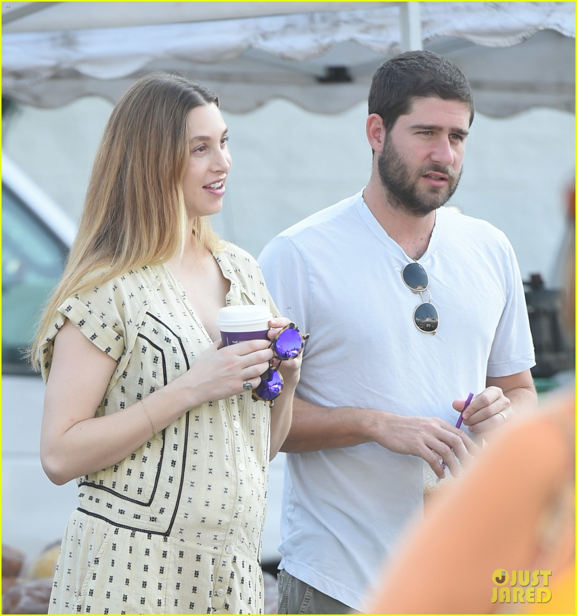 whitney port goes shopping with her hubby a week after giving birth 043938438
