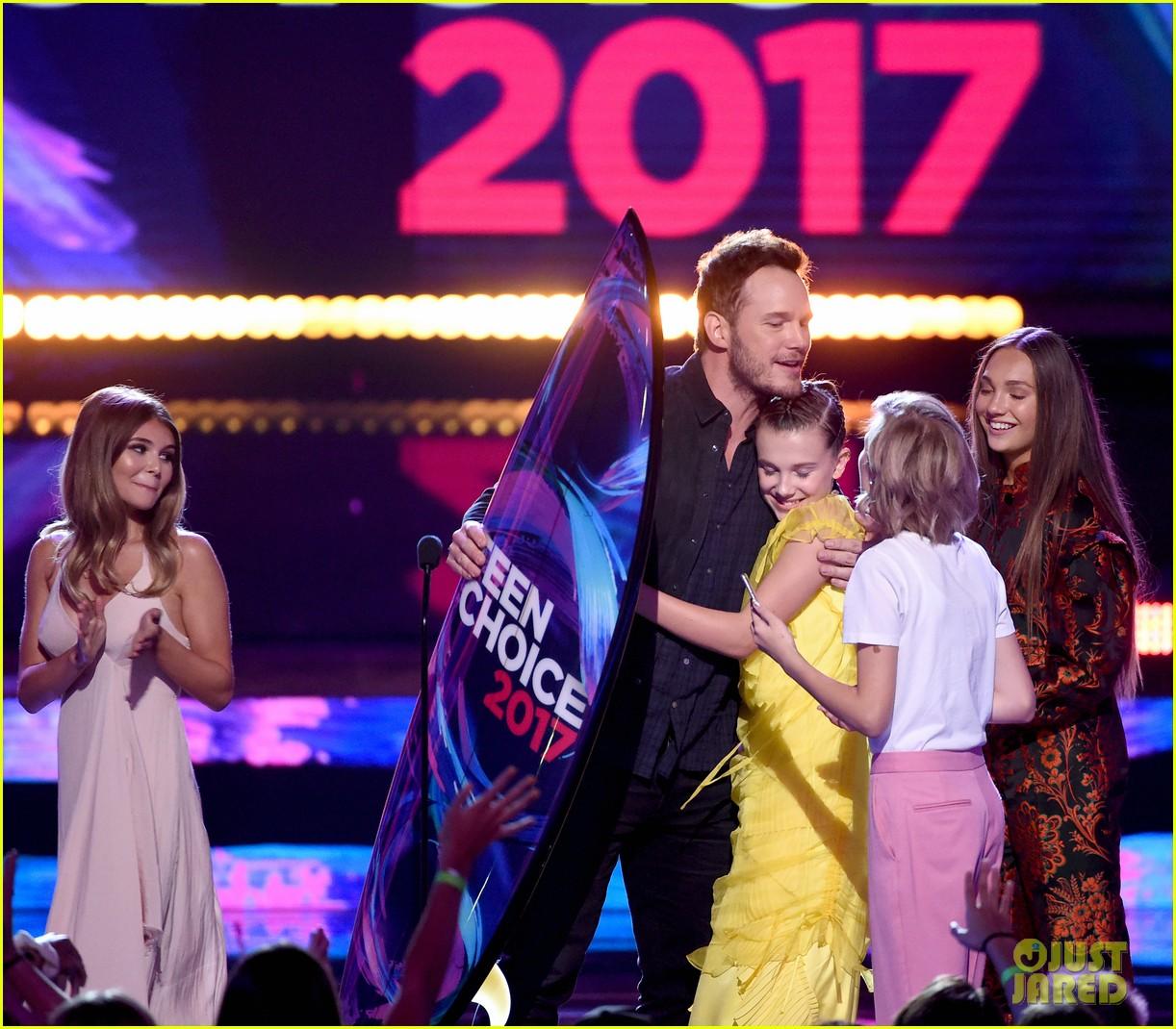 chris pratt wins choice sci fi movie actor at teen choice awards 2017 033941464