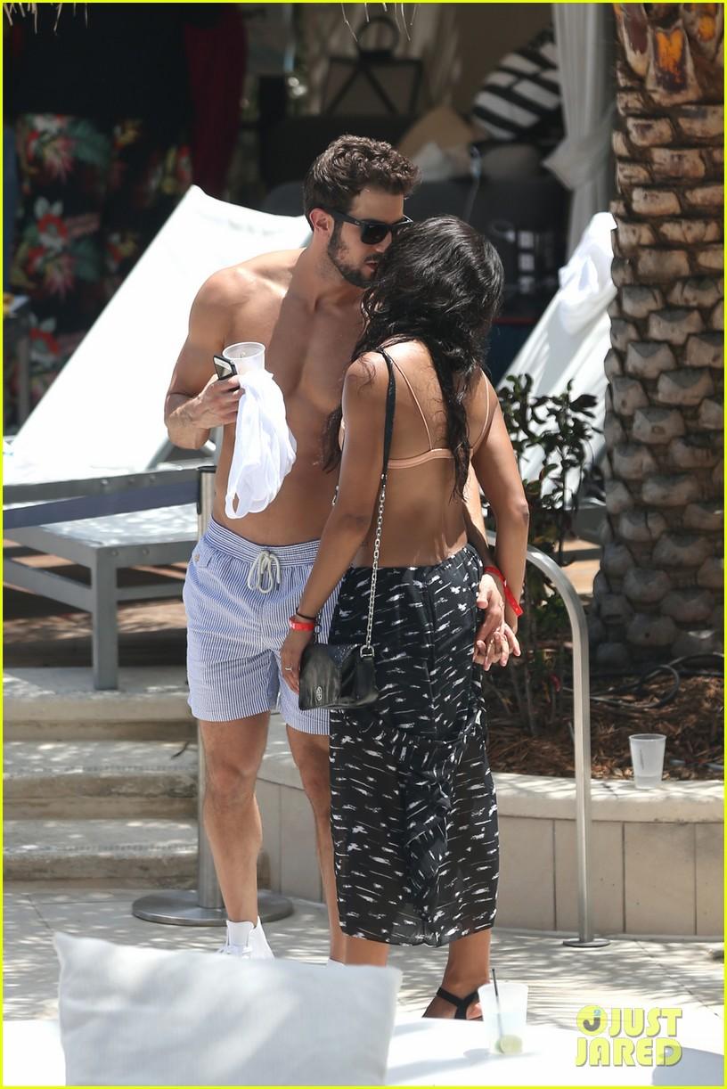 the bachelorettes rachel bryan share poolside kiss in miami 133943622