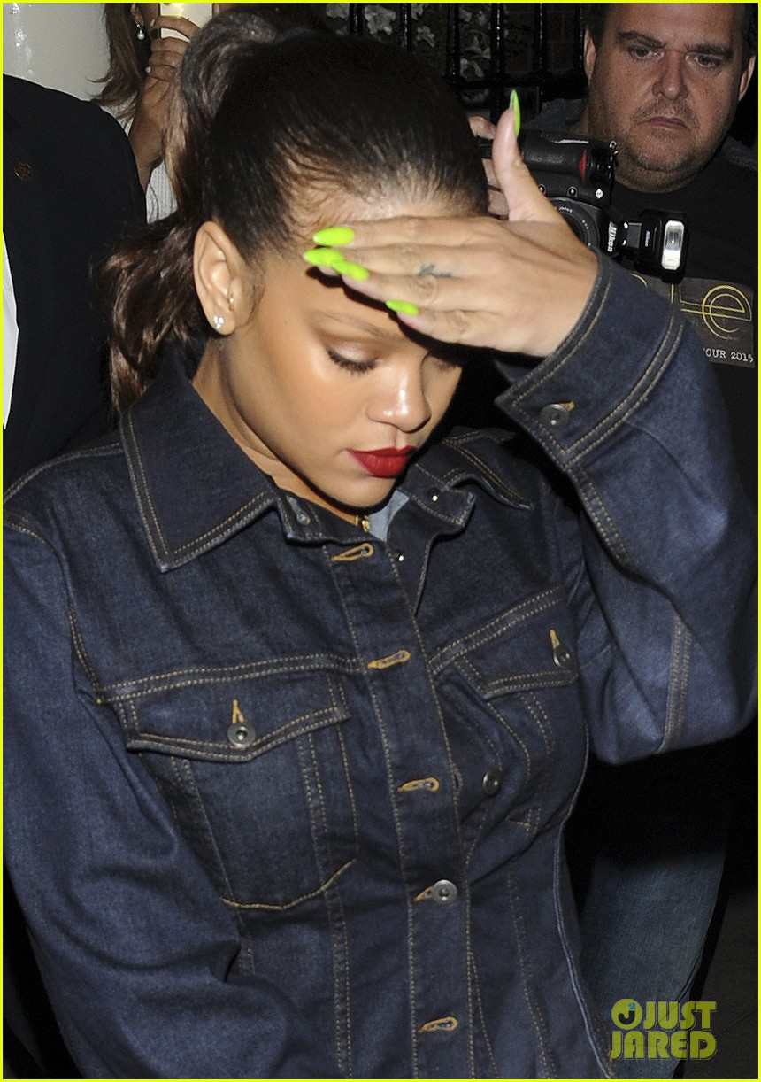 rihanna rocks denim on denim for dinner in london 023948352