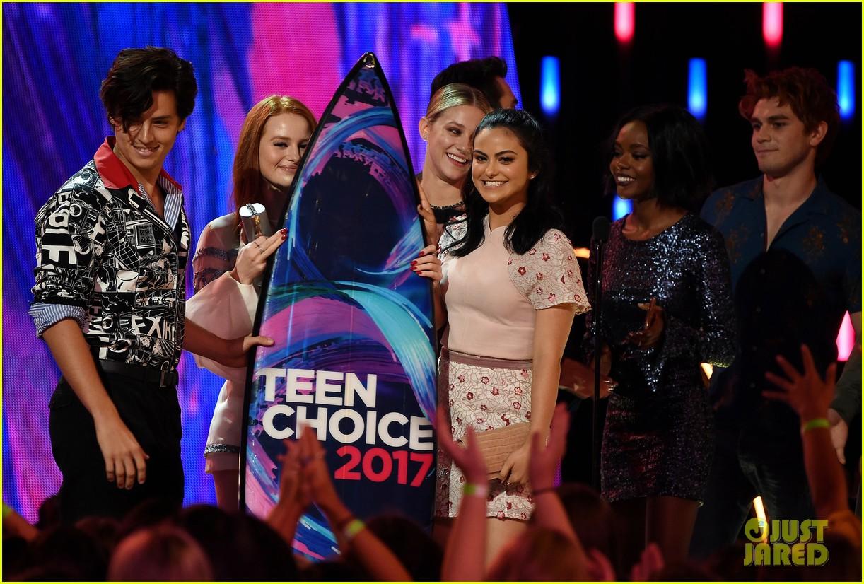riverdale teen choice awards 2017 kj apa 153941432