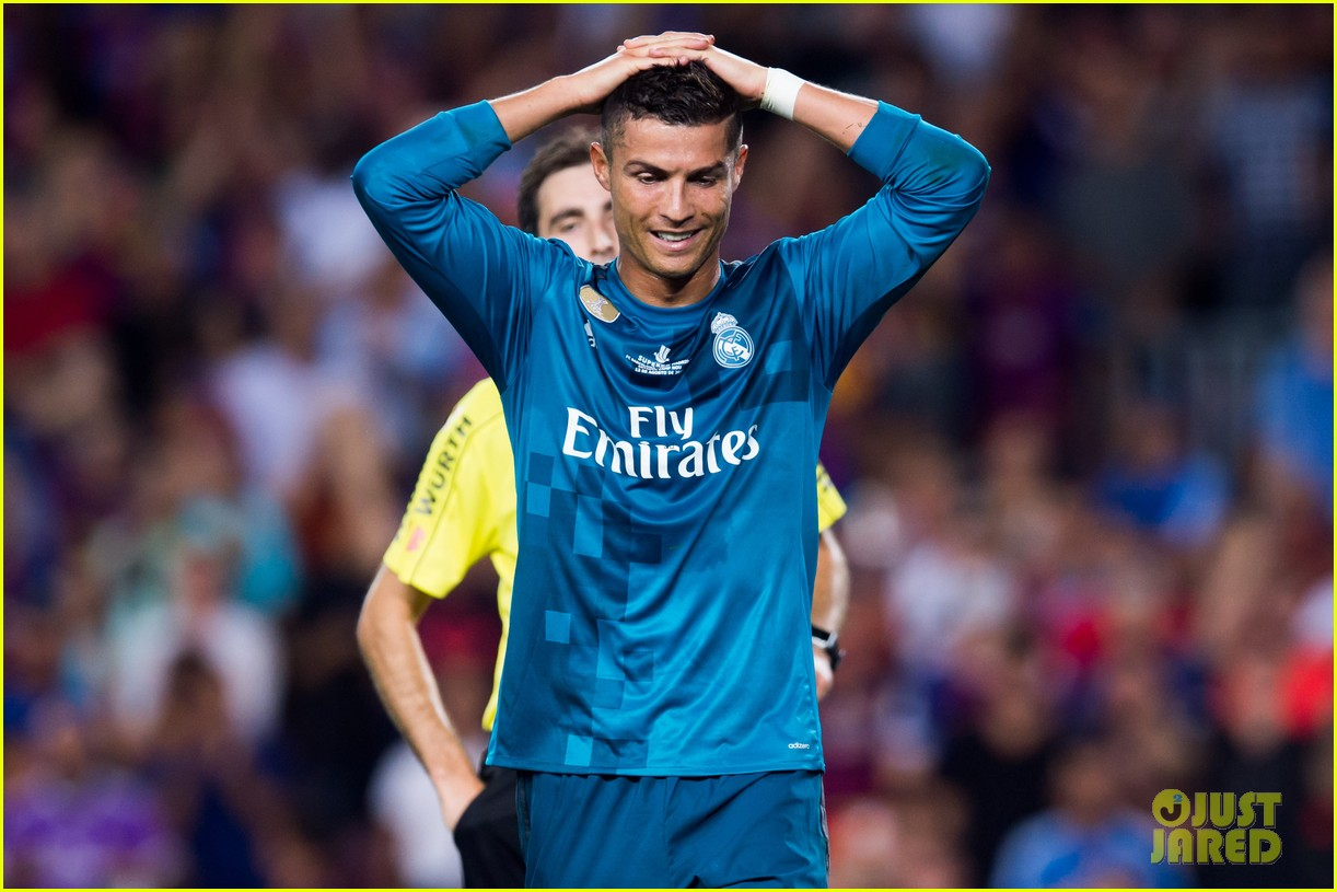 cristiano ronaldo suspended for five games after pushing ref 093941702