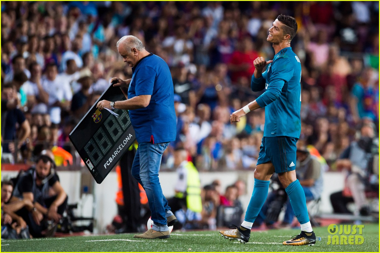 cristiano ronaldo suspended for five games after pushing ref 143941707