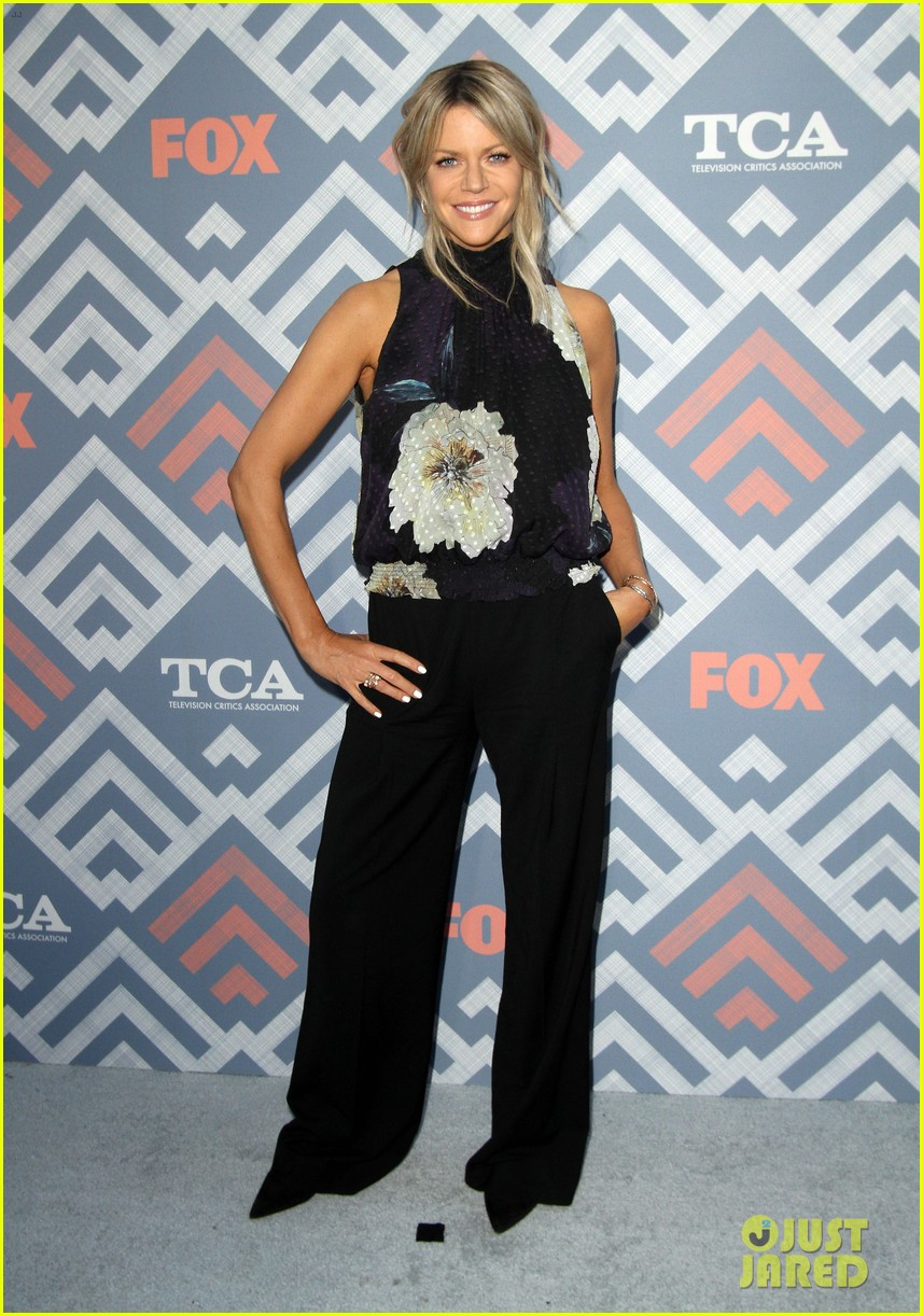 andy samberg kaitlin olson adam scott bring the comedy to fox tca summer party 033940133