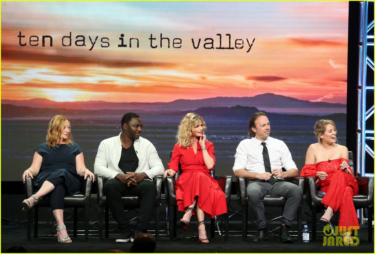 kyra sedgwick joins 10 days in the valley costars at tcas 013938547
