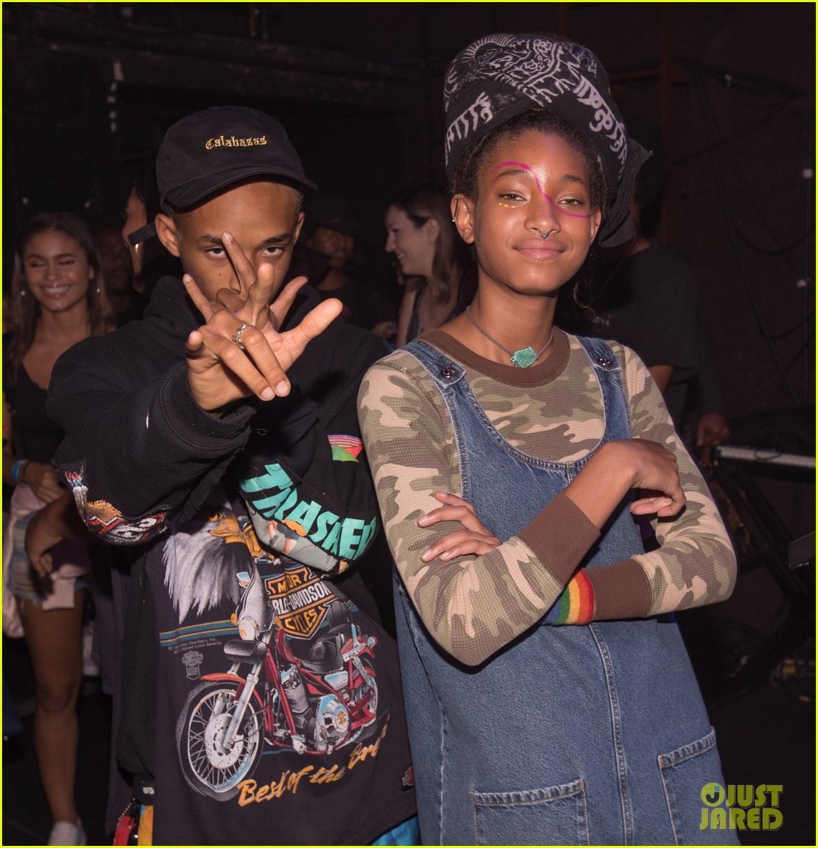 willow smith gets support from brother jaden at girl cult festival 023944033
