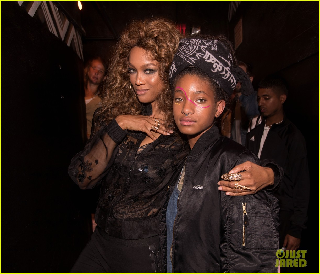 willow smith gets support from brother jaden at girl cult festival 173944048