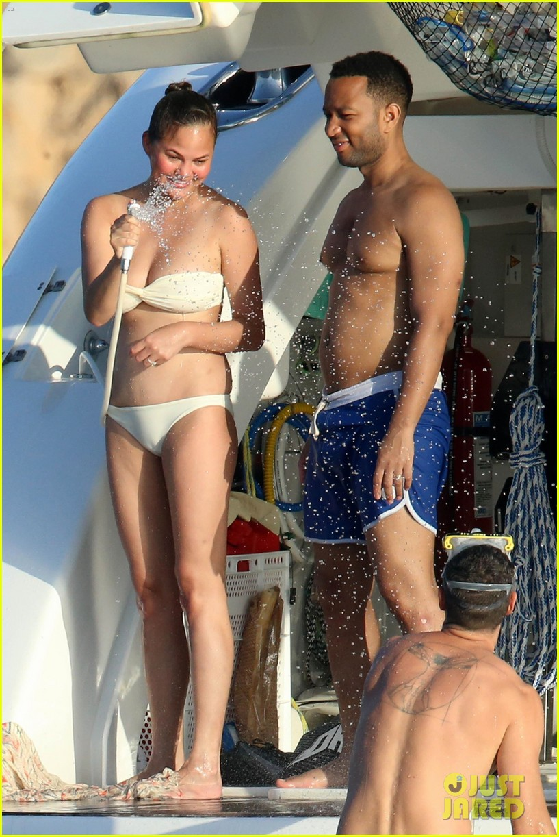 chrissy teigen john legend bare their beach bodies in sardinia 033948668
