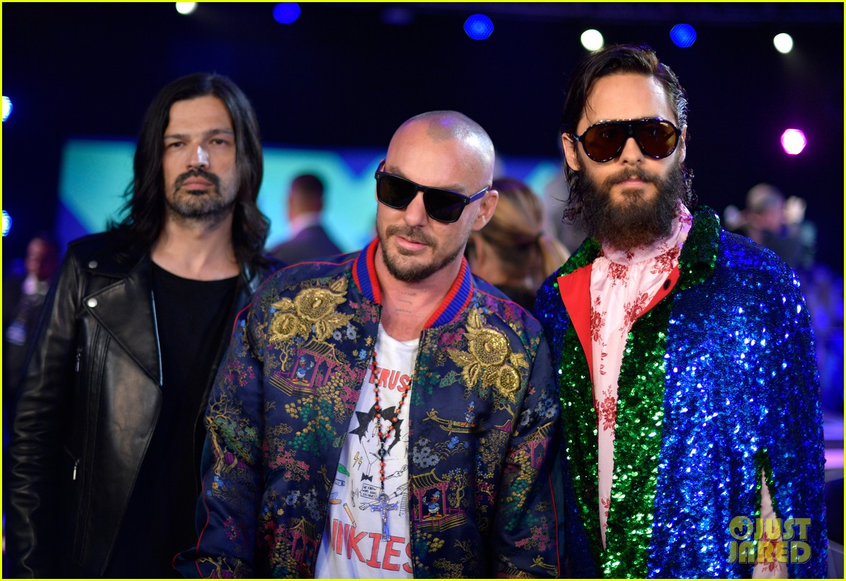 Thirty Seconds to Mars Pose for Pics Ahead of VMAs 2017 ...