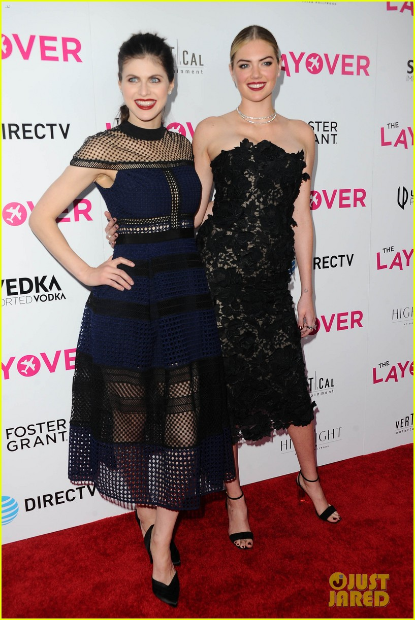 kate upton alexandra daddario premiere the layover in los angeles 013944948