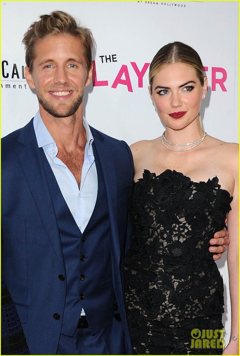 kate upton alexandra daddario premiere the layover in los angeles 023944949