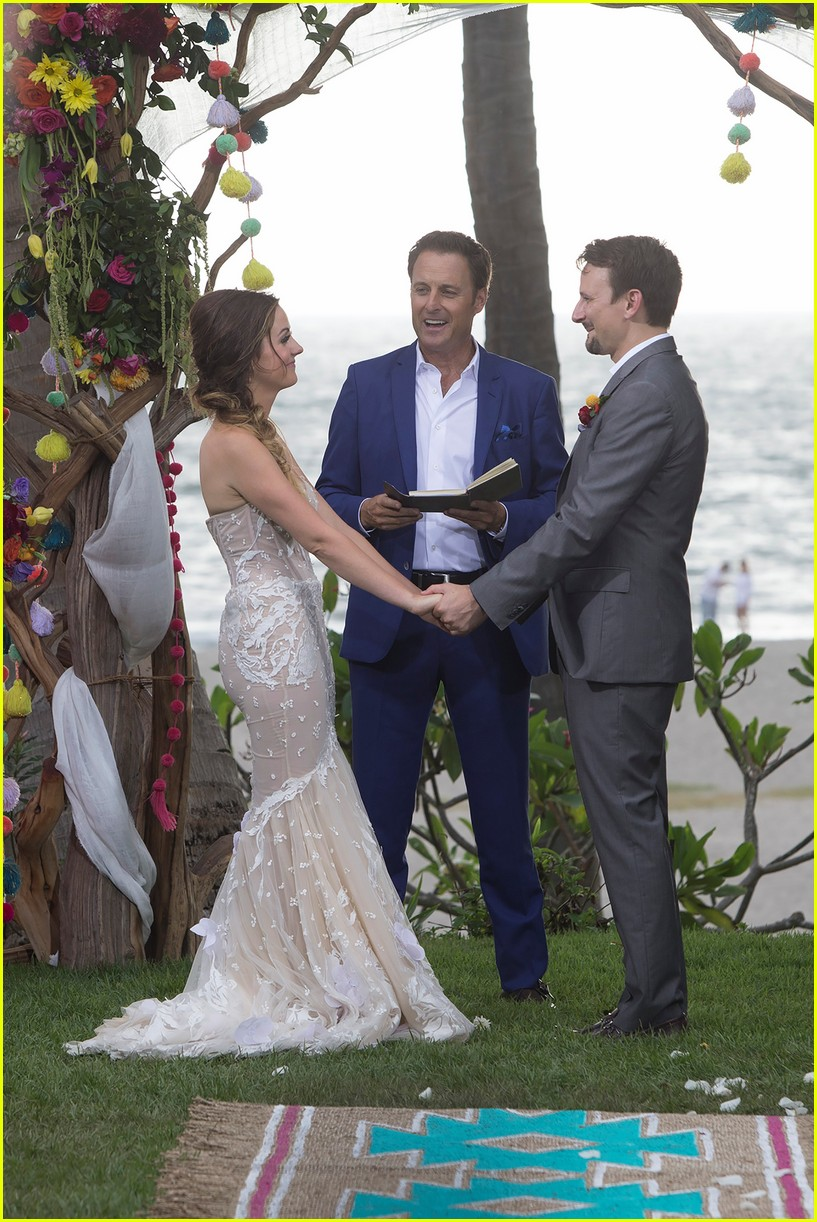 See 'Bachelor' Couple Carly Waddell & Evan Bass' Wedding Pics: Photo ...
