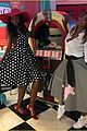 serena williams celebrates 50s themed baby shower wiith famous friends 04