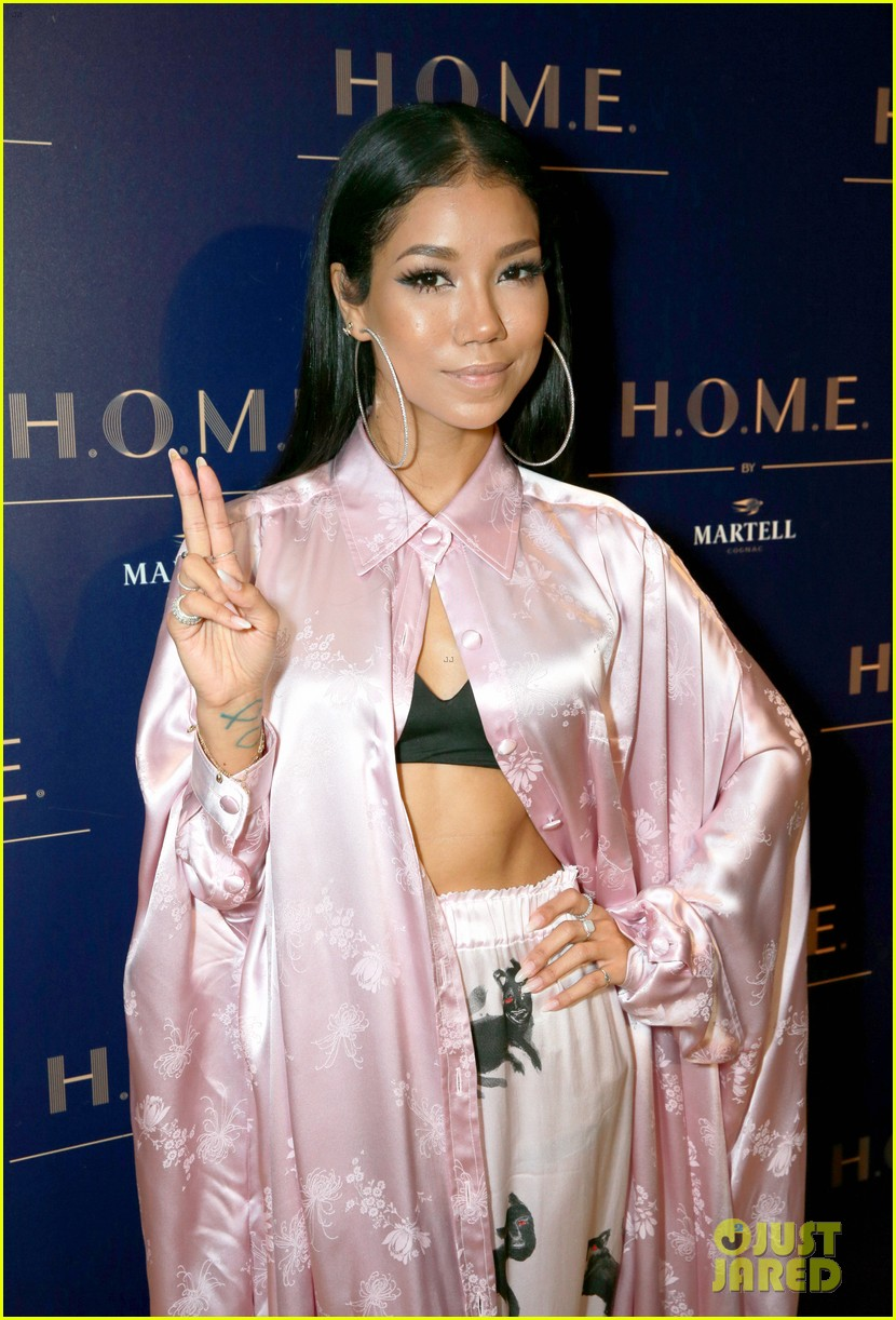 lana del rey jhene aiko unite after announcing la to the moon tour 023966123