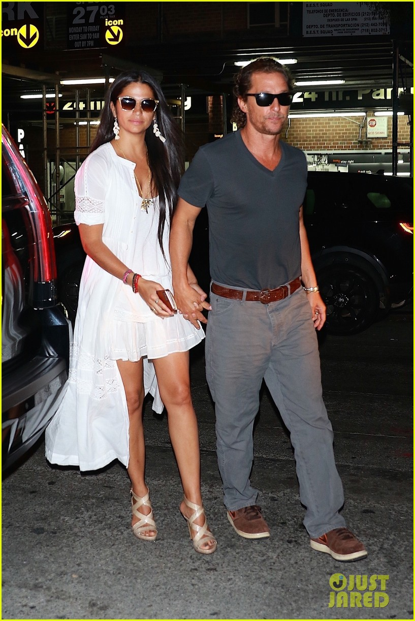 how did camila alves meet matthew mcconaughey